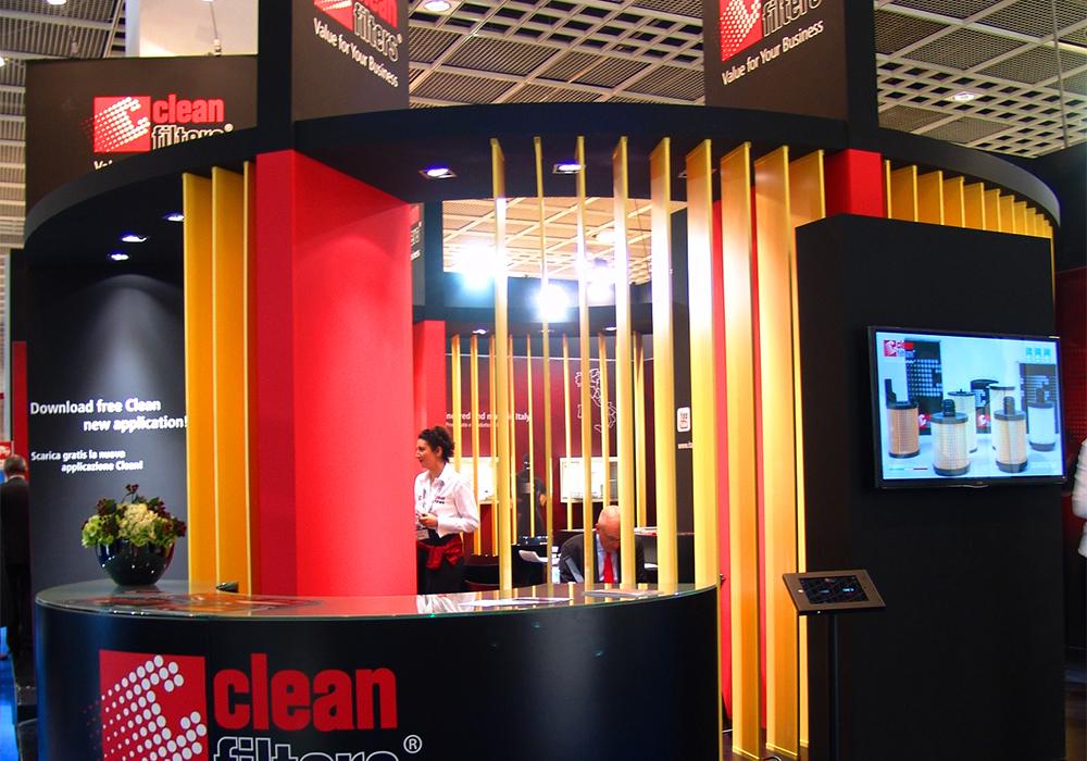 Bancone per l'accoglienza nello stand Delgrosso alla fiera Automechanika 2014 di Francoforte