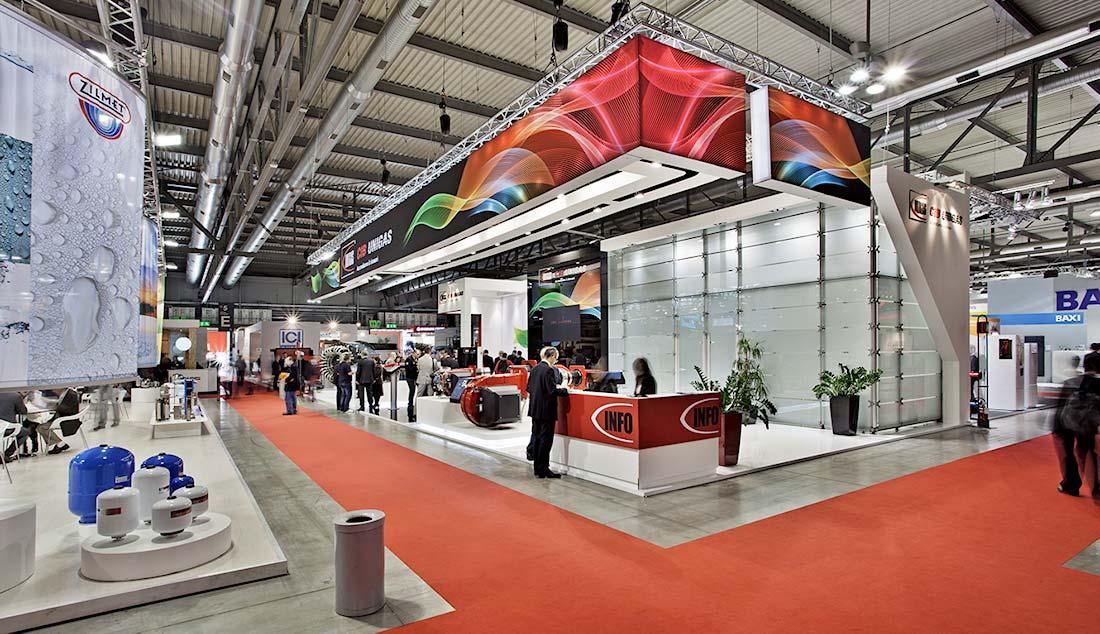 Banner decorativo a soffitto nello stand Cib Unigas allestito per la mostra convegno Expocomfort 2014 alla fiera di Milano