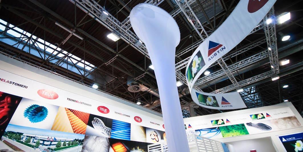 Colonna nello stand Tecnoelastomeri allestito per la fiera internazionale delle materie plastiche e della gomma K 2010 di Düsseldorf