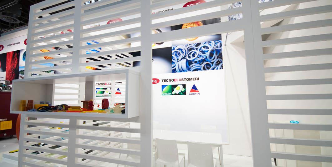 Parete divisoria a listelli nello stand Tecnoelastomeri allestito per la fiera internazionale delle materie plastiche e della gomma K 2010 di Düsseldorf