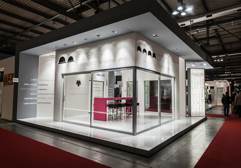 Vista dello stand Essenza dal corridoio del padiglione del salone fieristico MADEexpo 2013 di Milano