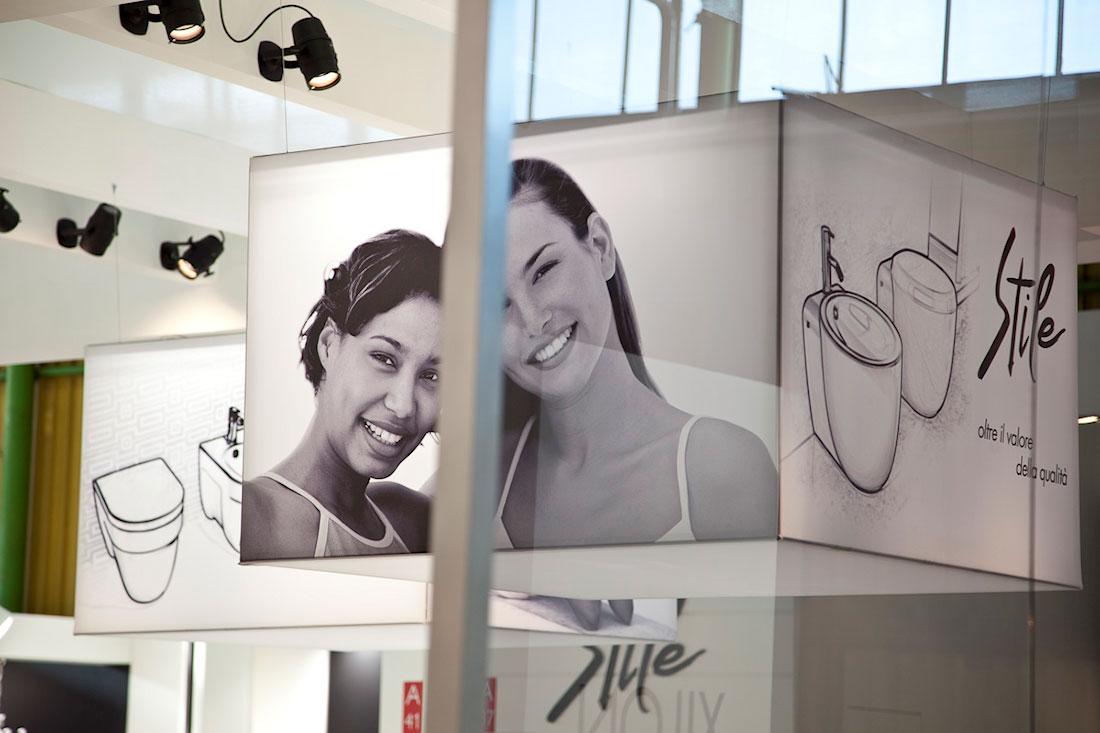 Fotografie decorative nello stand SFA Grandform allestito per il salone internazionale della ceramica per l'architettura e dell'arredobagno Cersaie 2009 di Bologna