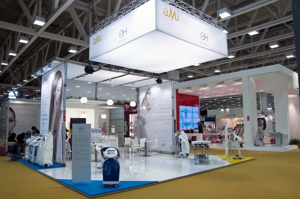 Vista dello stand AMI allestito per l'evento internazionale nel settore della bellezza professionale Cosmoprof 2011 alla fiera di Bologna