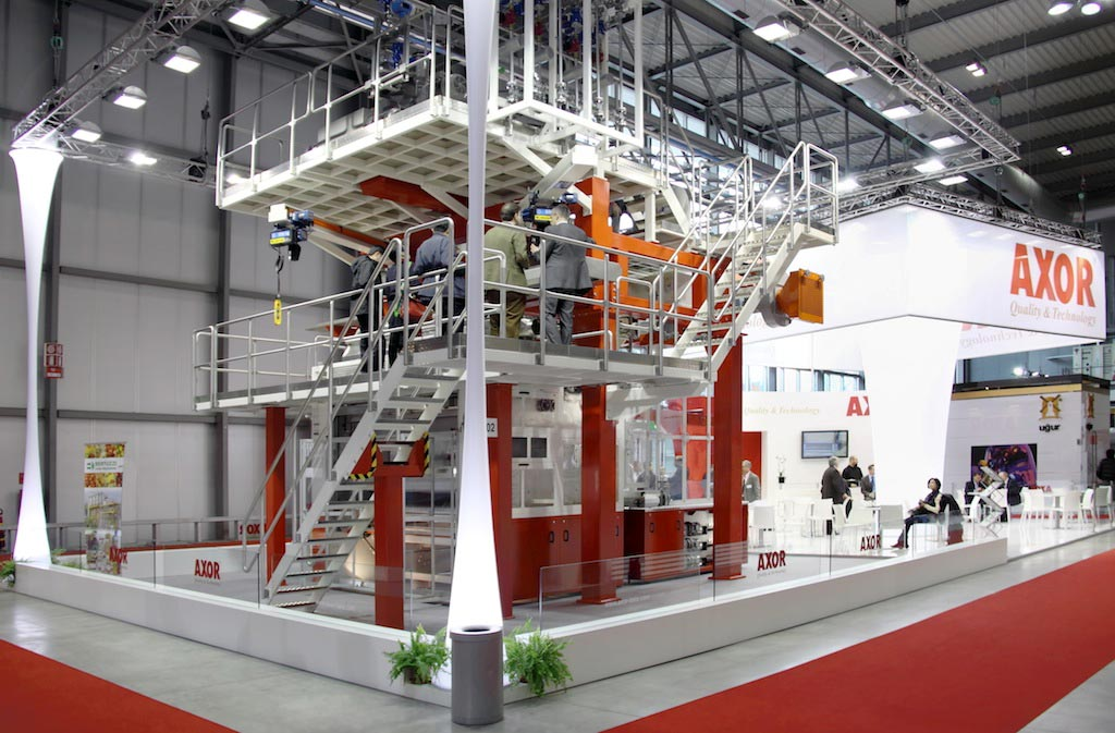 Scala dell'impianto produttivo costruito all'interno dello stand Axor allestito per la mostra internazionale dedicata all'imballaggio e al confezionamento, logistica industriale, macchine per l'industria alimentare IPACK-IMA 2012 alla fiera di Milano