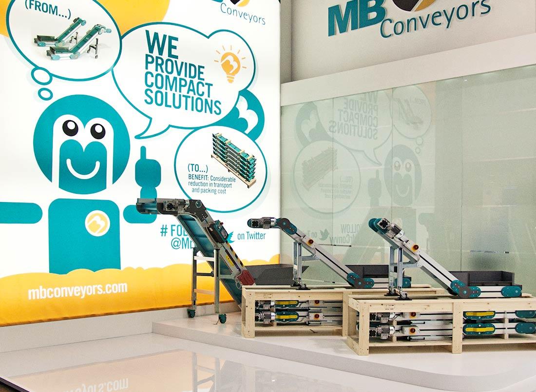 Prodotti in esposizione nello stand MB Conveyors allestito per la fiera internazionale delle materie plastiche e della gomma K 2013 di Düsseldorf