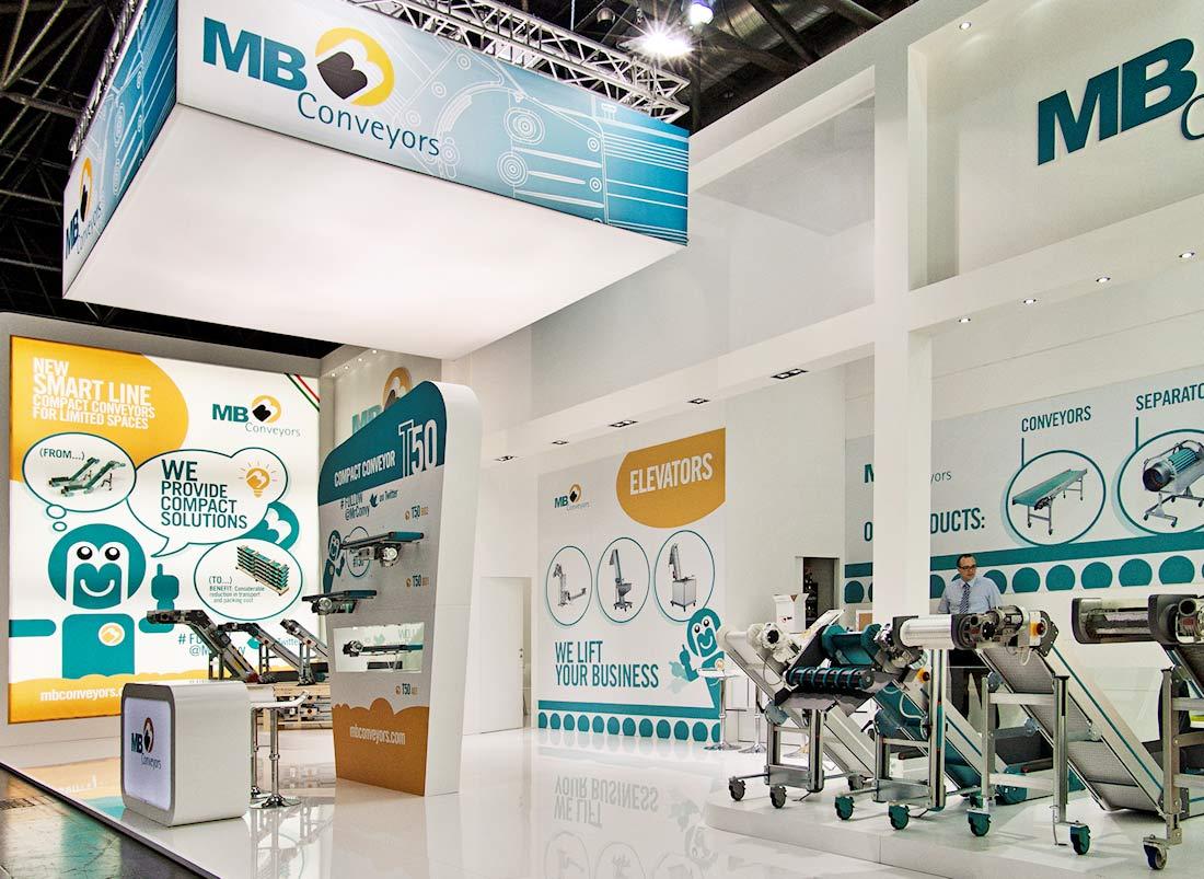 Vista globale dello stand MB Conveyors allestito per la fiera internazionale delle materie plastiche e della gomma K 2013 di Düsseldorf