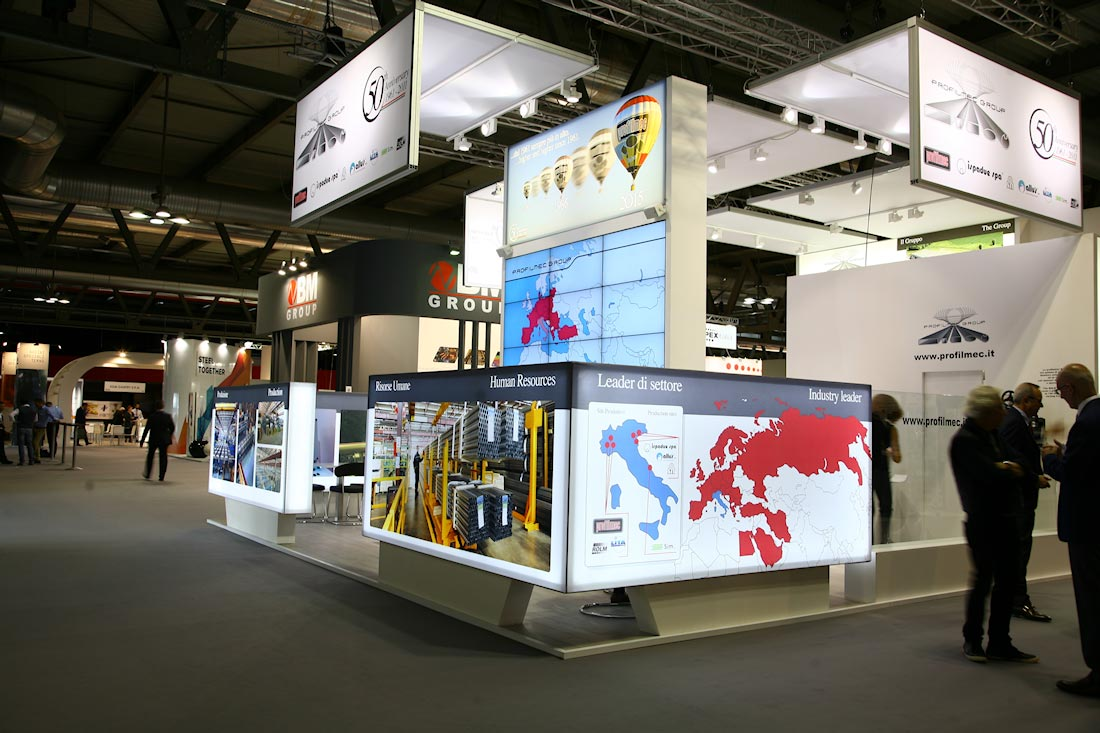 Illuminazione dello stand Profilmec allestito in occasione dell'evento Made In Steel 2015 di Fiera Milano