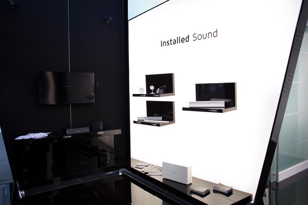 Prodotti esposti nello stand K-array allestito in occasione della fiera internazionale Prolight+Sound 2015 al quartiere fieristico di Francoforte