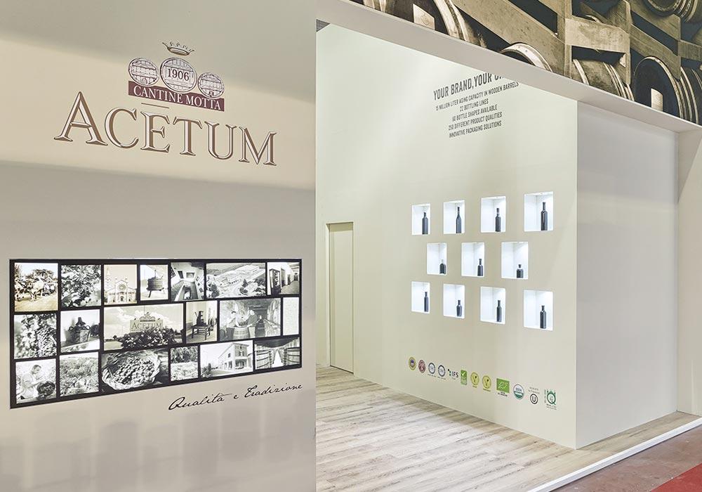 Ingresso dello stand Acetum allestito per il salone internazionale dell'alimentazione CIBUS che si tiene alla fiera di Parma.