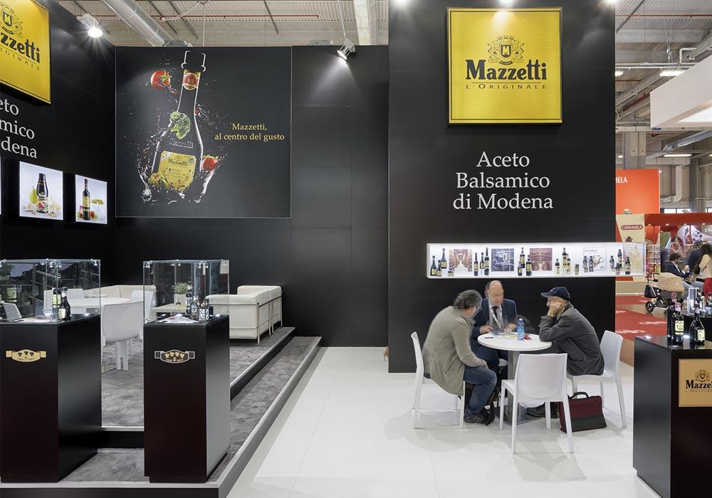 Pannelli pubblicitari nello stand Mazzetti progettato per il Salone internazionale dell'alimentazione CIBUS tenutosi alle fiere di Parma.